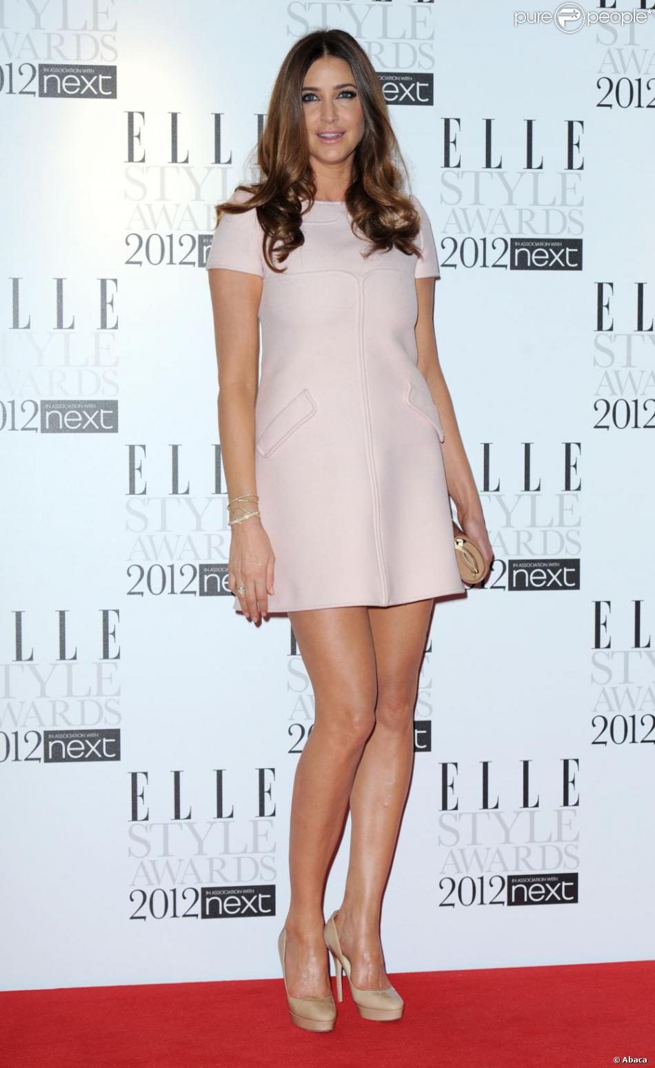 Lisa Snowdon Sexy Dans Une Robe Rose Pale Sur Le Tapis Rouge Des Elle Style Awards 2012 Londres Le 13 Fevrier 2012 Purepeople