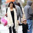 Alessandra Ambrosio avec sa petite fille Anja le 15 février 2012 à Los Angeles