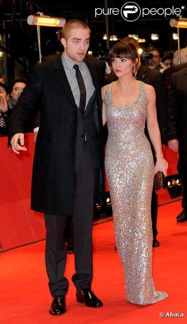 Robert Pattinson sur le tapis rouge à l'occasion de la projection de  Bel Ami  à Berlin, dans le cadre du 62e Festival international du film de Berlin, le vendredi 17 février 2012.