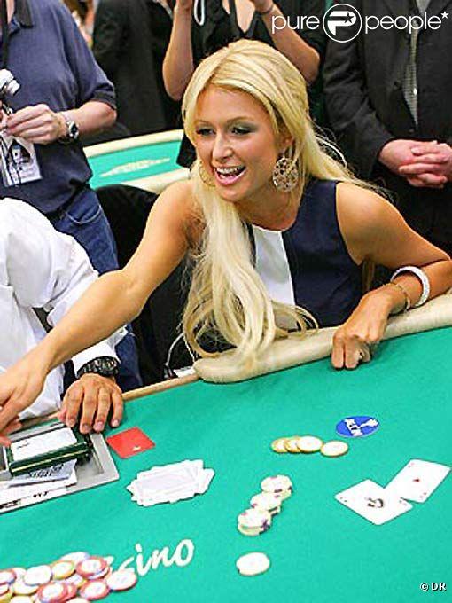 Paris Hilton à la table de blackjack du  Wynn Hotel  de Las Vegas, le 18 février 2012, où elle va remporter 30 000 $