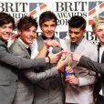 Le boys band One Direction a reçu le trophée du Meilleur single pour What Makes You Beautiful. 21 février 2012
