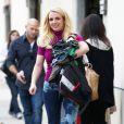 Britney Spears part chercher ses enfants au goûter d'anniversaire de l'un de leurs amis, le samedi 26 janvier 2012 à Los Angeles.