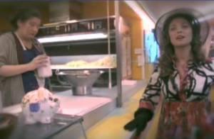 Sandrine Quétier déjantée dans la peau d'une animatrice télé égocentrique