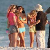 Vanessa Hudgens et Selena Gomez : sexy en maillots sous le soleil