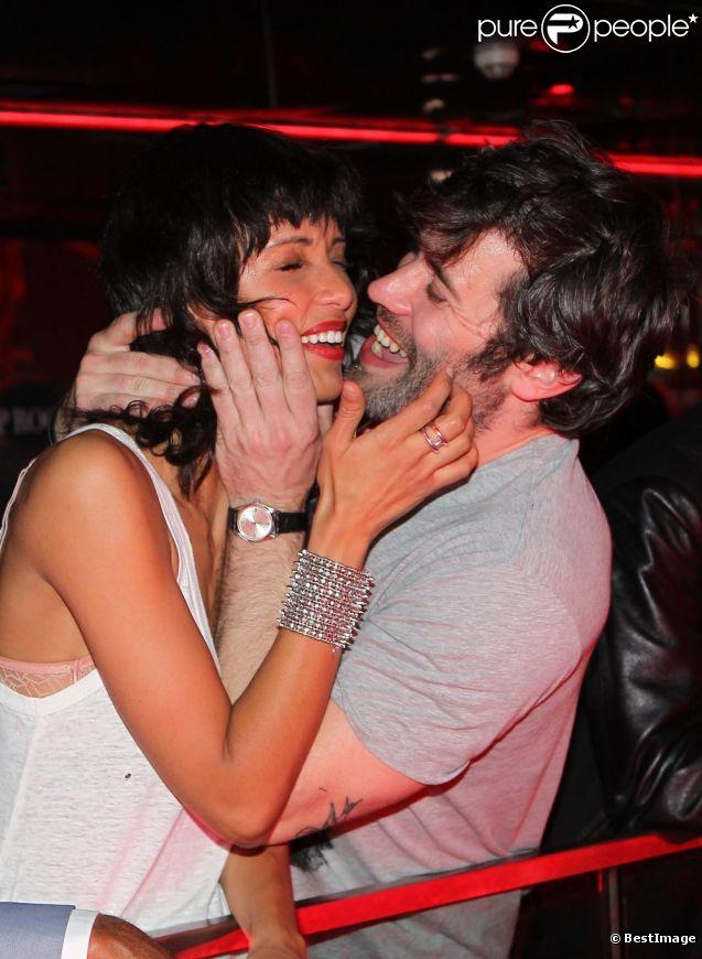 Sonia Rolland et Jalil Lespert amoureux comme des ados lors de la soirée Matrix Fitness Party au VIP de Paris. Le 17 mars 2012