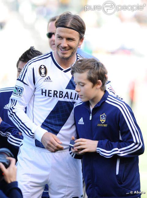David Beckham et son fils Brooklyn le 18 mars 2012 au Home Depot Center de Carson City près de Los Angeles