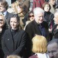 Dominique Blanc, André Dussollier et Francis Perrin lors des obsèques de Michel Duchaussoy au crématorium du cimetière du Père-Lachaise à Paris le 20 mars 2012
