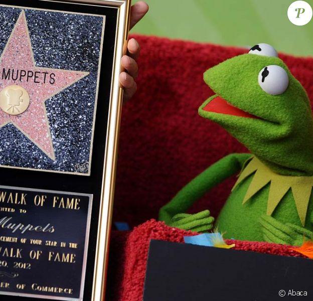 Kermit La grenouille des Muppets reçoit une nouvelle étoile sur le Walk of Fame à Los Angeles, le 20 mars 2012.