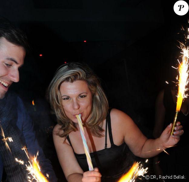 Cindy Lopes fête son vingt-neuvième anniversaire au six seven aux côtés d'un ancien participant de Secret Story, John, le 21 mars 2012