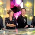 Enora Malagré s'amuse avec ses camarades Jean-Luc Lemoine et Christophe Carrière dans Touche pas à mon poste le 22 mars 2012 sur France 4