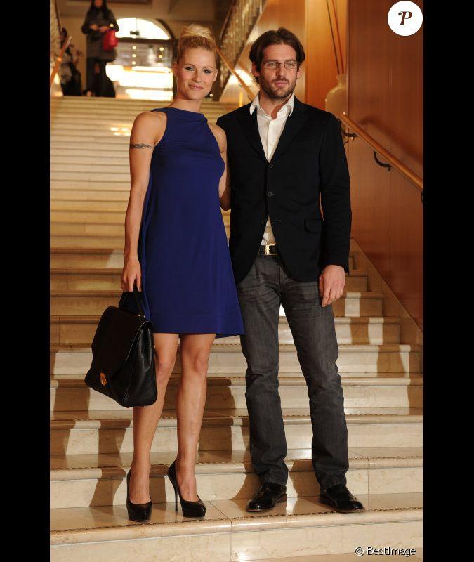 Michelle hunziker et son compagnon tomaso trussardi au for Prix compagnon
