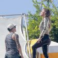 Jennifer Lopez et Casper Smart sur le tournage d'un clip vidéo pour le duo Wisin & Yandel, à Acapulco, le 12 mars 2012.