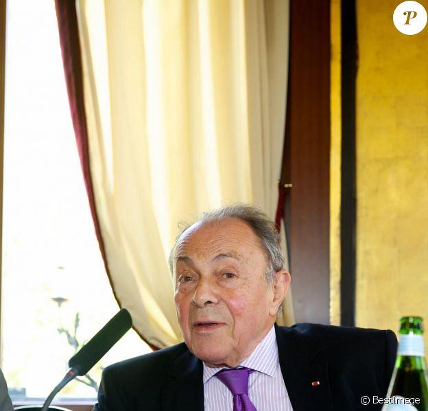 Exclusif: Dernière apparition de Michel Rocard avant son AVC le 27 mars 2012 au Fouquet's.