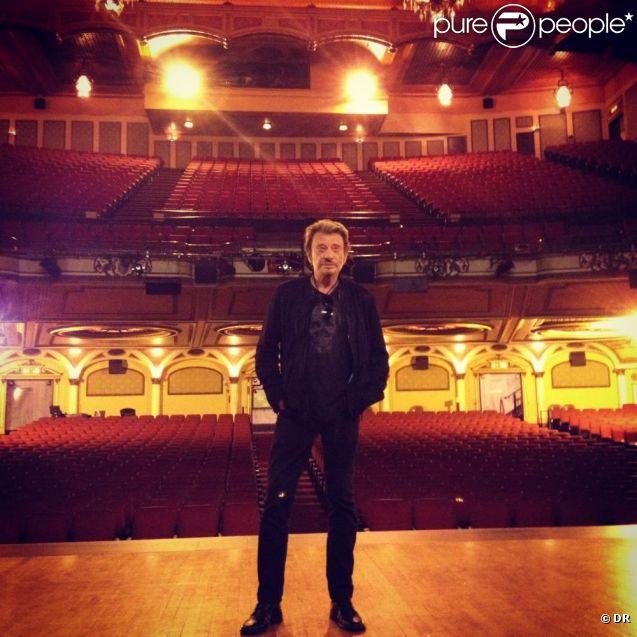 Johnny Hallyday sur la scène de l'Orpheum à Los Angeles
