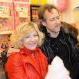 Nicoletta et son époux lors de l'avant-première de la Foire du trône, à Paris, le 6 avril 2012