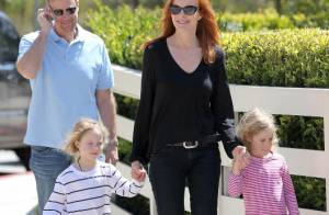 Marcia Cross : La belle rousse se balade avec son mari et ses adorables jumelles