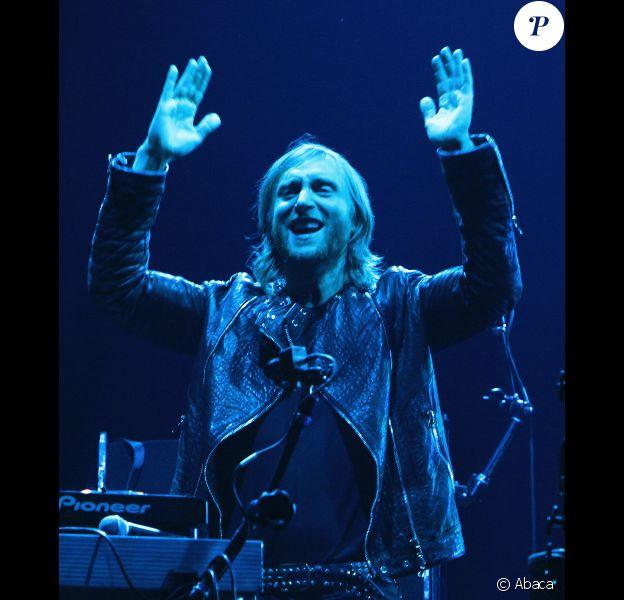 David Guetta se produit à Bercy, à Paris, le samedi 7 avril 2012.
