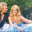 """Dalida avec son compagnon Richard Anfray (dit """"le comte de Saint-Germain"""") à Saint-Tropez en 1978.   En 2012, 25 ans après son suicide dans la nuit du 2 au 3 mai 1987, Dalida continue de passionner et de renvoyer l'image d'une diva aux airs de femme fatale. Sa facette intime, celle de la femme désespérée, reste à découvrir..."""