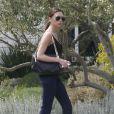 Victoria Beckham en mode cool à Napa Valley lors d'une balade en famille. Avril 2012