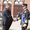 Le roi Carl XVI Gustaf et la reine Silvia de Suède ont accueilli le président de la Finlande Sauli Niinistö et sa femme Jenni Haukio aux Ecuries royales, le 17 avril 2012.