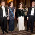 Dîner officiel au palais royal Drottningholm à Stockholm en l'honneur du couple présidentiel de Finlande, le 17 avril 2012. Le prince Daniel et le prince Carl Philip y ont participé, pas la princesse Victoria.
