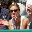Une fois n'est pas coutume, Jelena Ristic a vu son Djokovic chéri se faire rosser ! Le prince Albert et la princesse Charlene de Monaco, coupe garçonne surprise, ont assisté dimanche 22 avril 2012 à la victoire expéditive de Rafael Nadal sur Novak Djokovic en finale du Rolex Masters 1000 de Monte-Carlo, et récompensé les deux joueurs lors de la cérémonie de clôture.