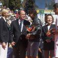 Cérémonie de clôture du Masters. Le prince Albert et la princesse Charlene de Monaco, coupe garçonne surprise, ont assisté dimanche 22 avril 2012 à la victoire expéditive de Rafael Nadal sur Novak Djokovic en finale du Rolex Masters 1000 de Monte-Carlo, et récompensé les deux joueurs lors de la cérémonie de clôture.