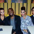 Kim Kardashian, Kanye West, Kourtney Kardashian et Scott Disick lors de l'ouverture du nouveau restaurant de Scott Disick à New York le 23 avril 2012