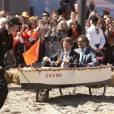 """Le prince Mauritz et le prince Bernhard sont dans un bateau...   Pour le  Koninginnedag  (""""Jour de la reine"""") 2012, le 30 avril, la famille royale des Pays-Bas s'est rassemblée autour de la reine Beatrix pour célébrer cette grande fête nationale avec la population à Rhenen et Veenendaal, où les jeux traditionnels attendaient les têtes couronnées ! Willem-Alexander et Maxima, Constantijn et Laurentien, ainsi que la princesse Margriet et son époux Pieter van Vollenhoven, Maurits et Marilene, Bernhard et Annette, Floris et Aimee participaient !"""