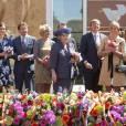 """Pour le  Koninginnedag  (""""Jour de la reine"""") 2012, le 30 avril, la famille royale des Pays-Bas s'est rassemblée autour de la reine Beatrix pour célébrer cette grande fête nationale avec la population à Rhenen et Veenendaal, où les jeux traditionnels attendaient les têtes couronnées ! Willem-Alexander et Maxima, Constantijn et Laurentien, ainsi que la princesse Margriet et son époux Pieter van Vollenhoven, Maurits et Marilene, Bernhard et Annette, Floris et Aimee participaient !"""