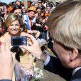 """La famille royale des Pays-Bas s'est rassemblée, pour le  Koninginnedag  (""""Jour de la reine"""") 2012, le 30 avril, autour de la reine Beatrix afin de célébrer cette grande fête nationale avec la population à Rhenen et Veenendaal, où les jeux traditionnels attendaient les têtes couronnées ! Willem-Alexander et Maxima, Constantijn et Laurentien, ainsi que la princesse Margriet et son époux Pieter van Vollenhoven, Maurits et Marilene, Bernhard et Annette, Floris et Aimee participaient !"""