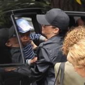 Sandra Bullock bichonne son fils Louis au quotidien
