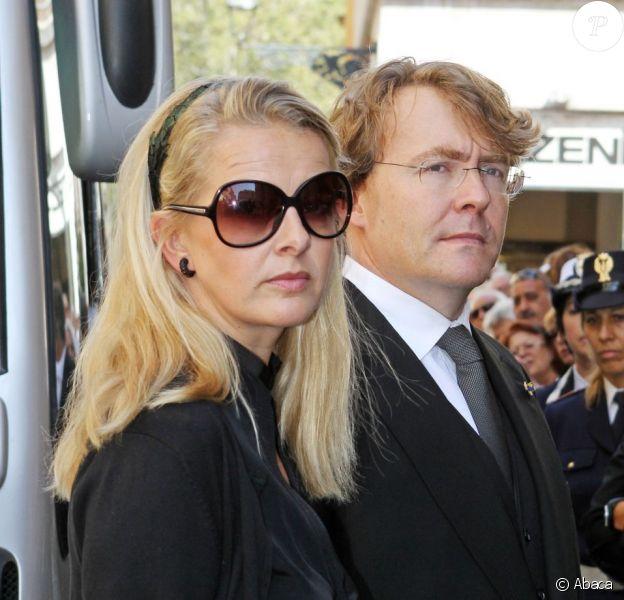 La princesse Mabel et le prince Friso le 28 août 2010 à Parme pour les funérailles du prince Carlos Hugo de Bourbon-Parme.