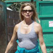 Goldie Hawn dévoile sa silhouette de rêve mais une petite mine