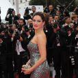 Kelly Brook lors de la montée des marches le 21 mai 2012 dans le cadre du Festival de Cannes lors de la présentation du film d'Alain Resnais Vous n'avez encore rien vu