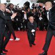L'équipe des Kaïra Shopping accompagnée d'Eric et Ramzy lors de la montée des marches le 21 mai 2012 dans le cadre du Festival de Cannes lors de la présentation du film d'Alain Resnais Vous n'avez encore rien vu