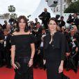 Marina Hands et Aurélie Filippetti lors de la montée des marches le 21 mai 2012 dans le cadre du Festival de Cannes lors de la présentation du film d'Alain Resnais Vous n'avez encore rien vu