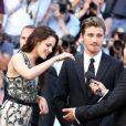 Kristen Stewart et Garrett Hedlund lors de la montée des marches de  Sur la route , le 23 mai 2012 au Festival de Cannes.