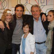 Alain Delon, son fils Anthony et ses petites-filles réunis pour une expo colorée
