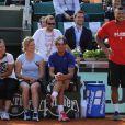 Li Na, Kim Clijsters, Rafael Nadal et Jo-Wilfried Tsonga le 24 mai 2012 à Roland Garros lors d'un essai pour les nouvelles raquettes intelligentes signées Babolat