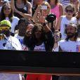 Serena Williams s'est éclatée sur des sons dispensés par Bob Sinclar sur le Central Philippe-Chatrier lors de la Journée des enfants à Roland-Garros le 26 mai 2012