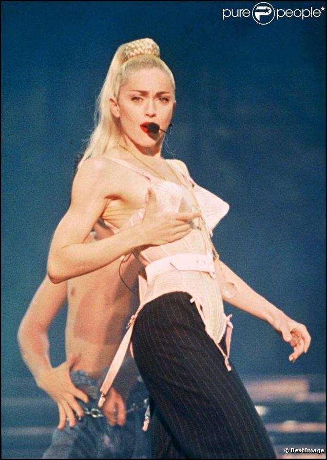 Madonna, Blonde Ambition Tour, à Tokyo, le 18 avril 1990.