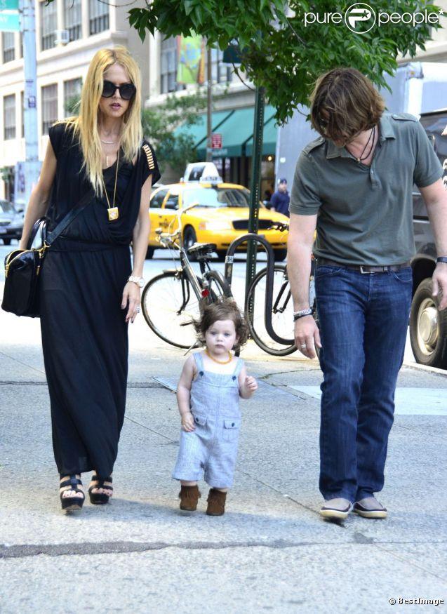 Rachel Zoe, Rodger Berman et leur fils Skyler à New York, le 31 mai 2012.