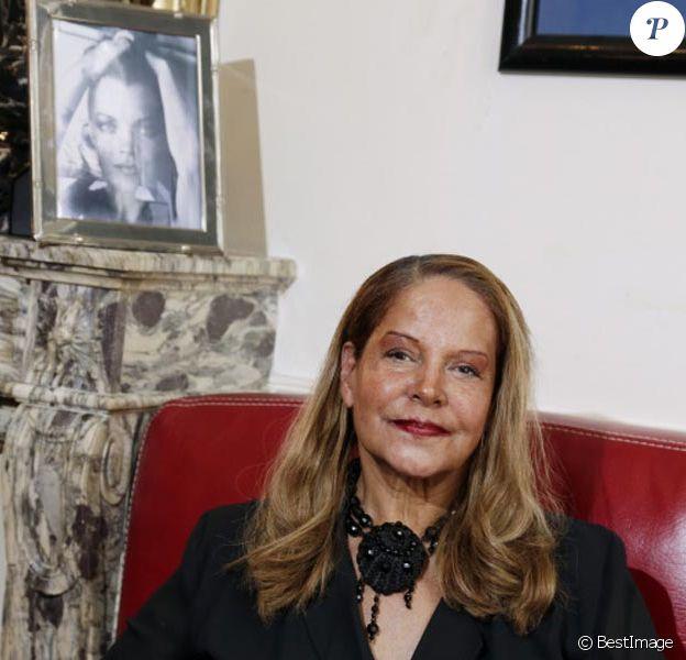 Photos exclusives : Claude Pétin dans son appartement parisien le 1 er juin 2012 vit dans le souvenir de son amie Romy Schneider