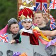 Ambiance de folie lors du premier jour des célébrations du jubilé de diamant de la reine Elizabeth II, le 2 juin 2012.