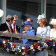 Elizabeth II entourée des siens lors du premier jour des célébrations de son jubilé de diamant, le 2 juin 2012.