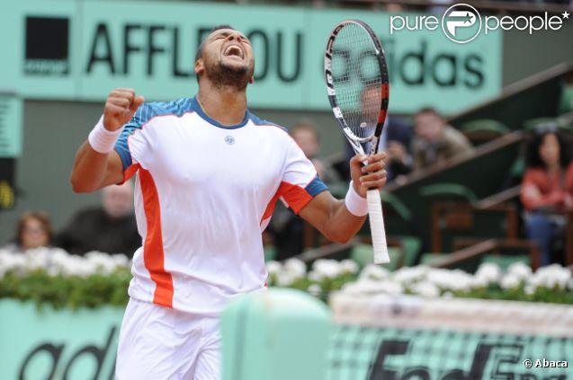Jo-Wilfried Tsonga le 4 juin 2012 à Rland-Garros après sa victoire sur Stanislas Wawrincka