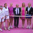 Martina Navratilova, Jana Novotna, Chris Evert et Jean Gachassin inaugure un court tout rose à l'occasion de la journée de la femme célébré à Roland-Garros le jeudi 7 juin 2012
