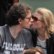 Roland-Garros : Raphaël et Mélanie Thierry en amoureux, des averses de tendresse