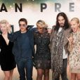 Julianne Hough, Tom Cruise, Mary J. Blige, Russell Brand, Malin Akerman et Diego Boneta à l'avant-première de  Rock Forever , le 10 juin 2012 à Londres.